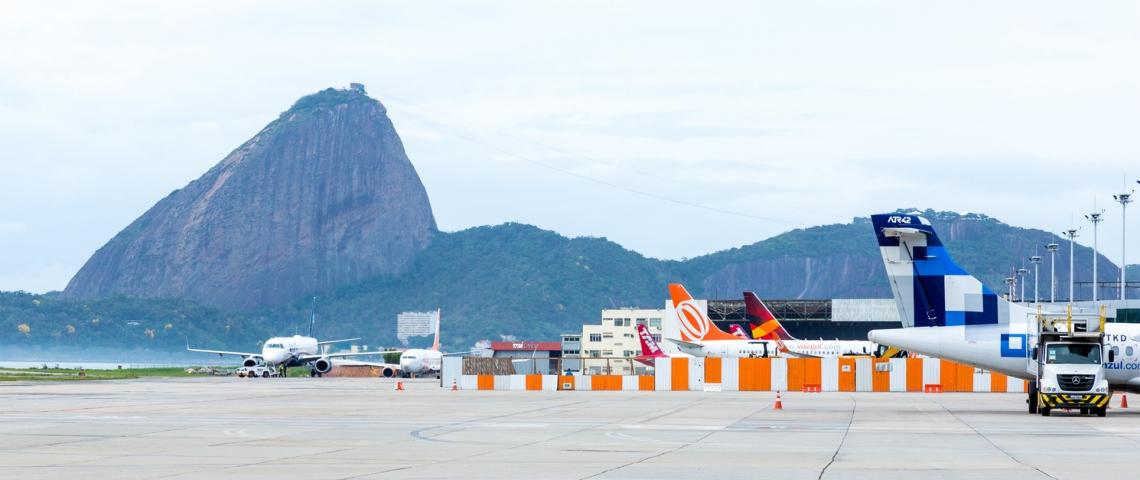 Vista panorâmica do aeroporto de Santos Dumont, Rio de Janeiro.