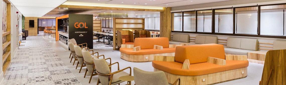 Imagem mostrando o centro de uma das salas Premium Lounge