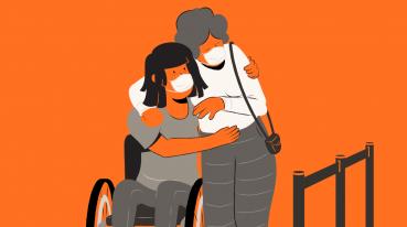 Ilustración con fondo naranja de dos mujeres abrazándose, una de ellas de pie y la otra en silla de ruedas.