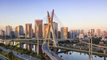 Imagen de un puente en São Paulo