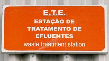 Sistema de tratamento de efluentes químicos
