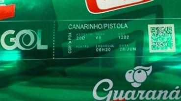 Check-in com impressão na lata de refrigerante
