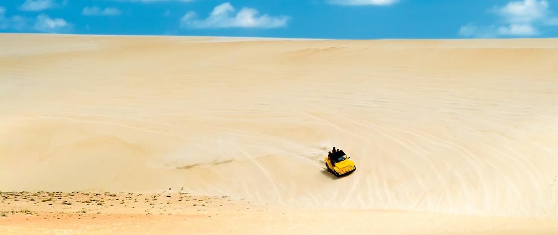 Buggy pelas dunas de Genipabu